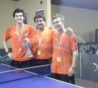 Equipo de Regatas Resistencia, que ganó torneo de Clubes del Nea: Santiago Tissembaum, Juany Riback y Fabián Baca.