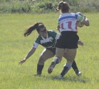 Rugby femenino en acción