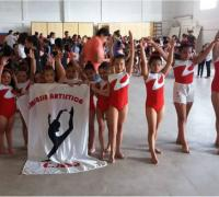Práctica de la gimnasia artística en San Fernando