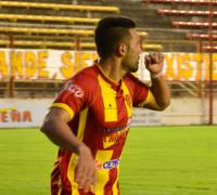 Luis Silba sigue encendido. Hizo dos goles en Formosa.
