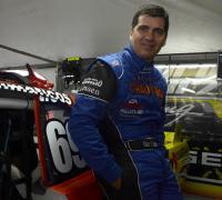 Zapallito espera mayor potencia en su auto para la carrera de Posadas