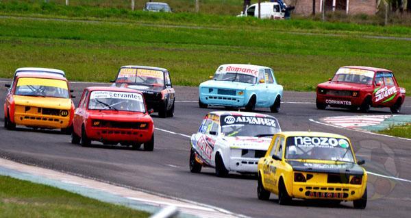 Los pilotos de la Monomarca Fiat 128 estarán habilitados para girar.
