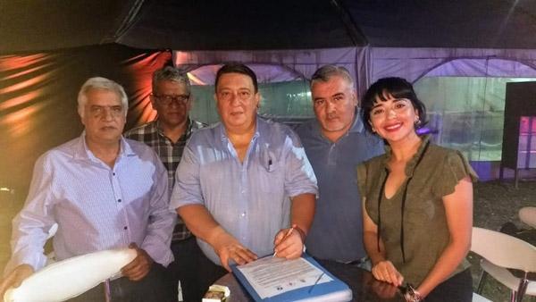 Miembors de Comisión Directiva de FAPED y el Círculo de Santiago del Estero junto a Fabián Borro