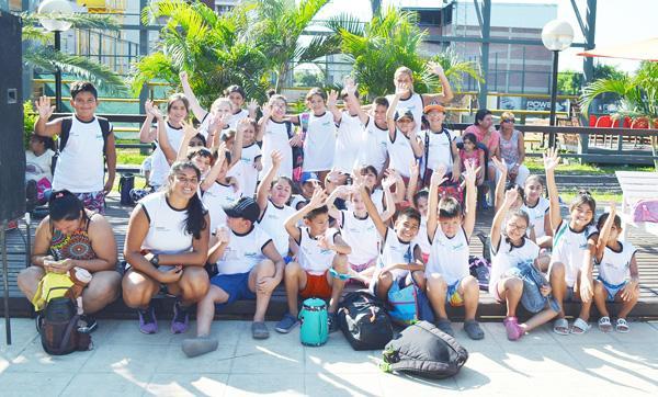 >Nadadores del IDCH en el Encuentro de Sarmiento