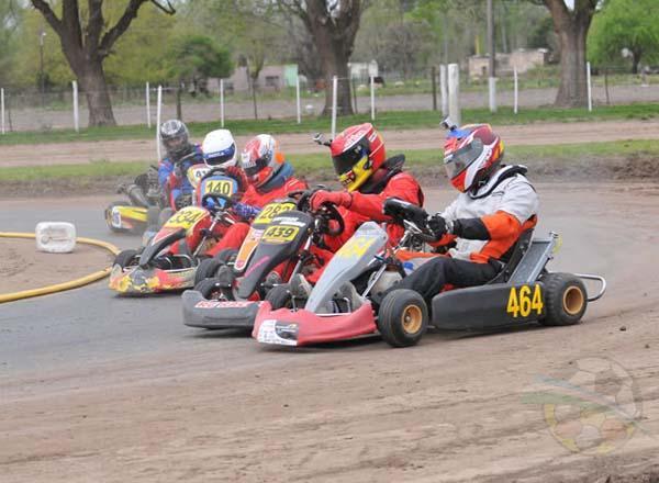 Los pilotos del karting concretarán el sábado pruebas libres en el motokartódromo de Villa Barberán.