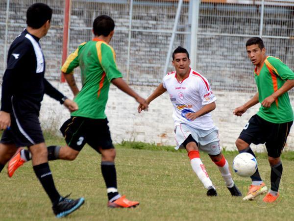 Sergio Cortes, uno de los jugadores desequilibrantes de Resistencia Central.