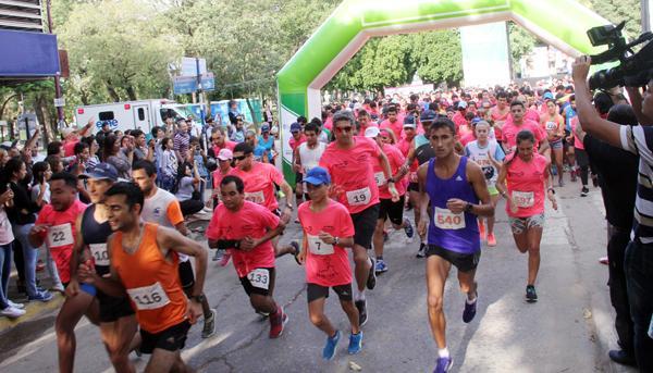Largada de la maratón de la Cámara de Comercio