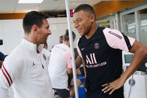 Messi con Mbappe, más Neymar, la delantera del PSG