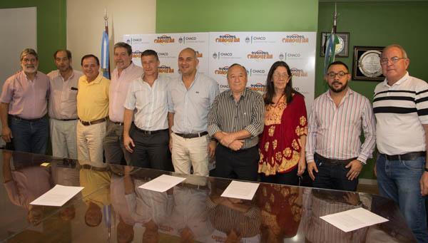 Autoridades de Lotería y el Instituto del Deporte, anunciando el nacional de Newecom en Julio en nuestra provincia