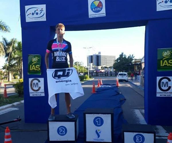 Ignacio Zrlo en el segundo lugar del podio
