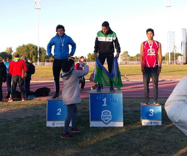 Daniel Romero se quedó con el primer puesto en la prueba de salto en largo.