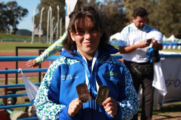 María Maciel logró oro en 100 metros y bronce en salto en largo de atletismo Adaptado.