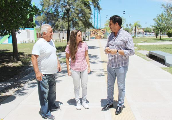 Ana Codina con su padre, junto a Juan Carlos Argüello.