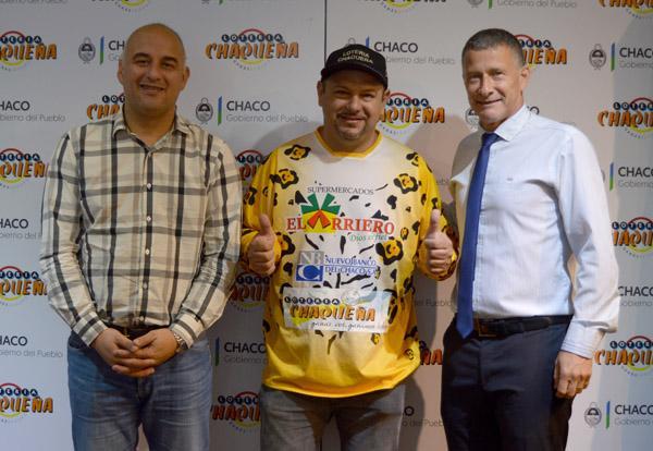 Edy Núñez y Oscar Brugnoli, flanqueando a Carlos Verza, que estará en el Dakar 2019