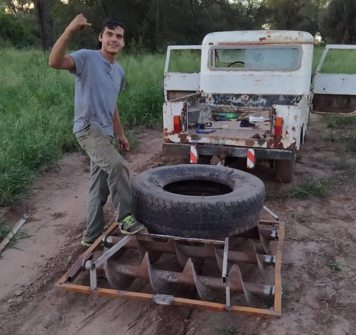 Ezequiel Allende preparando su circuito