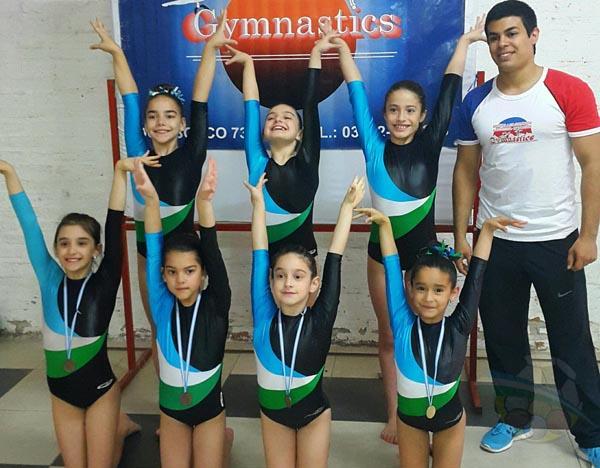 Las chicas del Gymnastics que participaron del Nacional