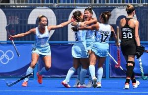 Festejo de la chicas argentinas del hockey