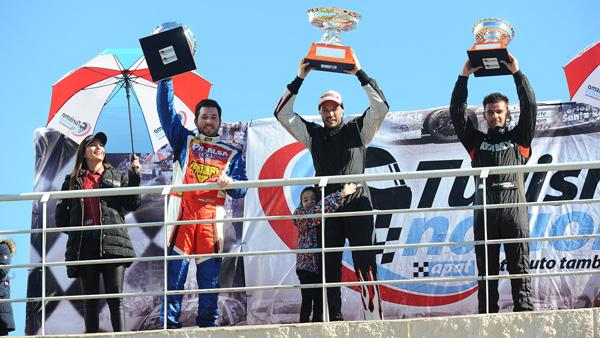 Micheletti, Grasso y Nando Ayala en el podio de Concpeción del Uruguay