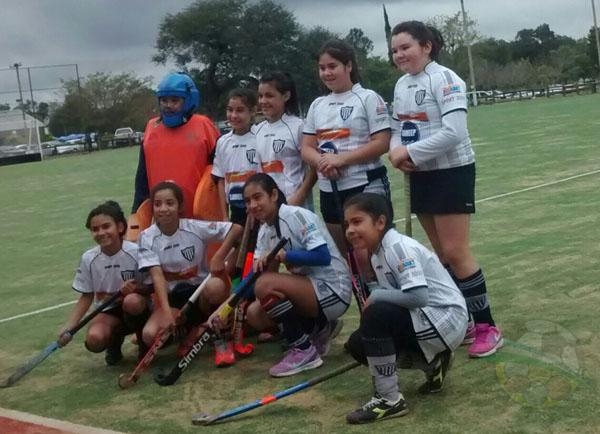 El equipo sub 12 de hockey de For Ever