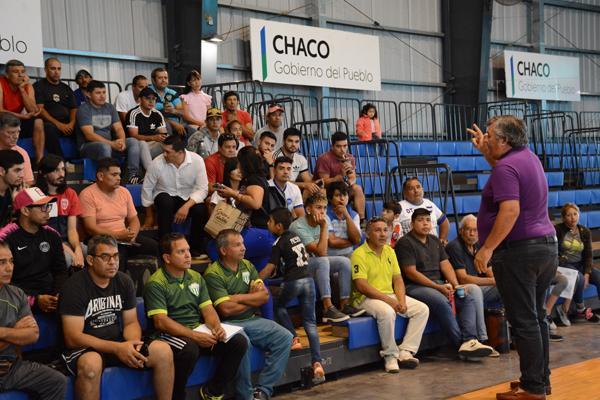 Ramón Velázquez dando una clase