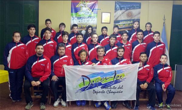 El equipo chaqueño de Tenis de Mesa en el Argentino