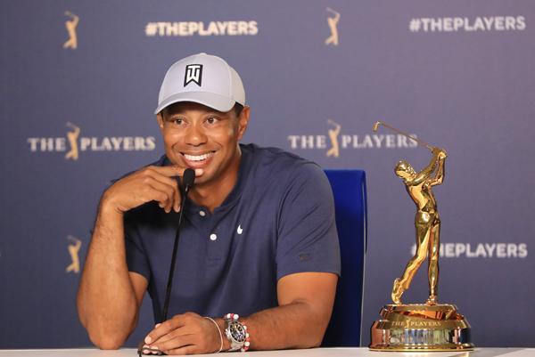 Tiger Woods, dos veces ganador de EL PLAYERS Championship, atiende a los medios de comunicación.